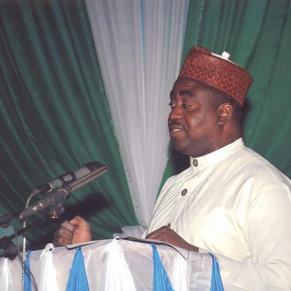 SUSWAM-GIVING-A-REMARK